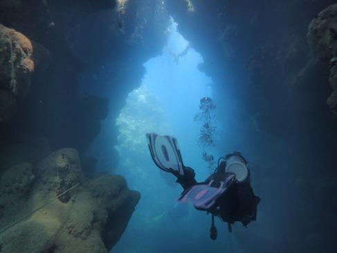 Magnifique plongée dans des grottes et cavernes en Egypte
