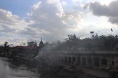 Crémations au temple Pashupatinath