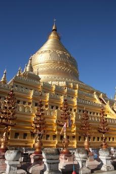 Feuilles d'or sur bouddha