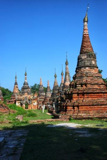 Anciennes pagodes de Inwa