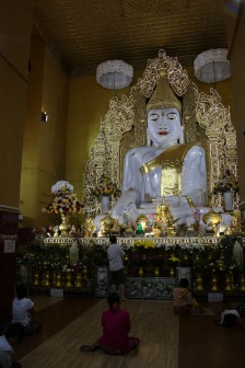 Bouddha de marbre