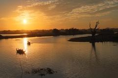 Coucher de soleil au pont U Bein