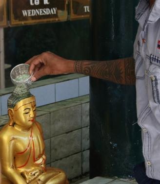 Arroser les bouddhas