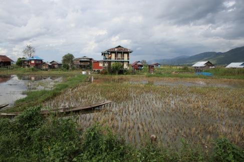 Petit village du lac Inle