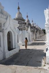 Les 729 stupas contenant les stèles
