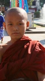 Garçon moine Yangon