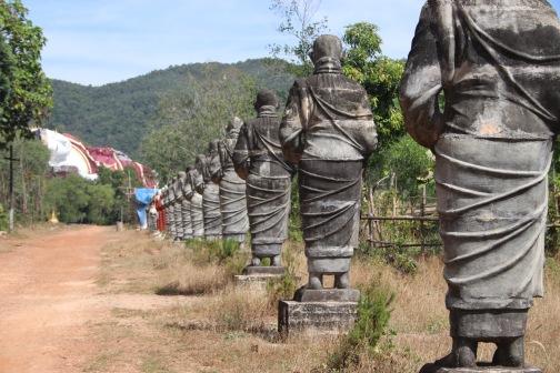 Allée de moines