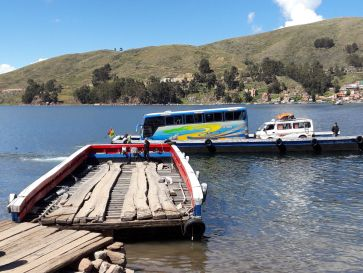 Barque à bus