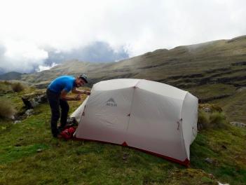 On monte la tente