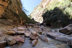 Rivière fond du canyon