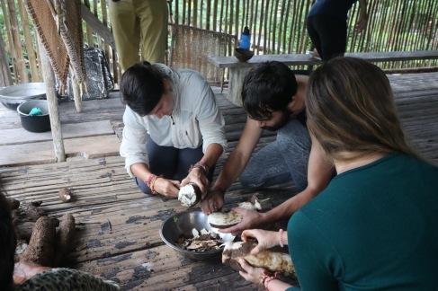 Préparation du pain de yuca